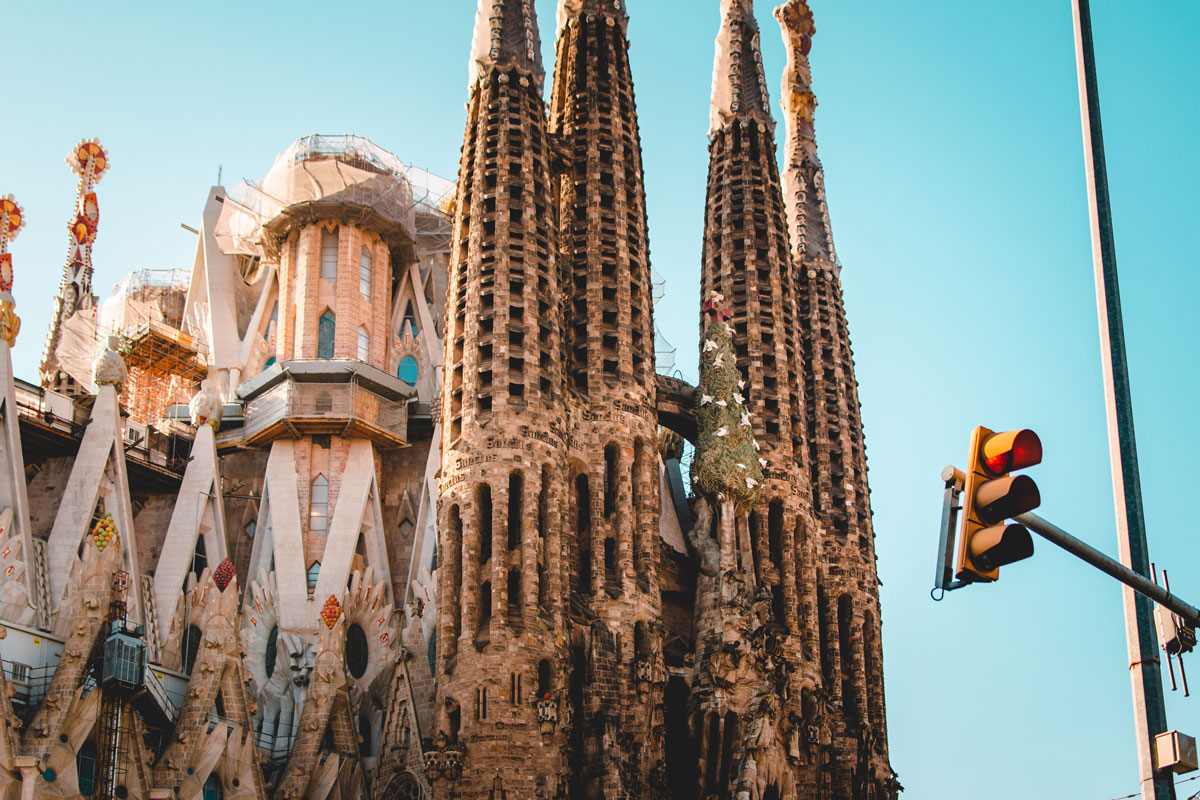 Why Antoni Gaudí S Sagrada Família Still Isn T Finished After 136 Years Artsy