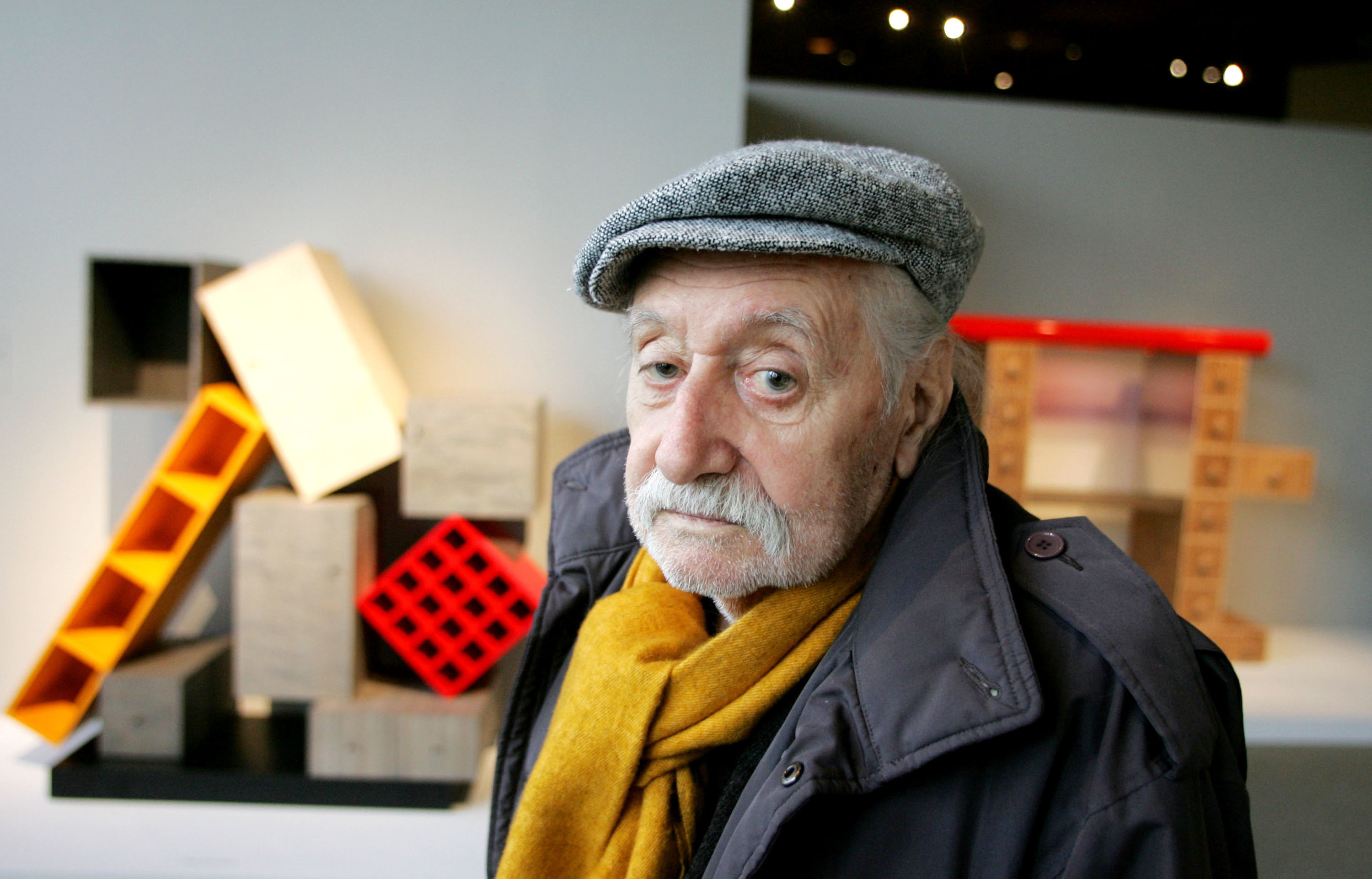 What you need to know about memphis design pioneer ettore for Memphis sottsass
