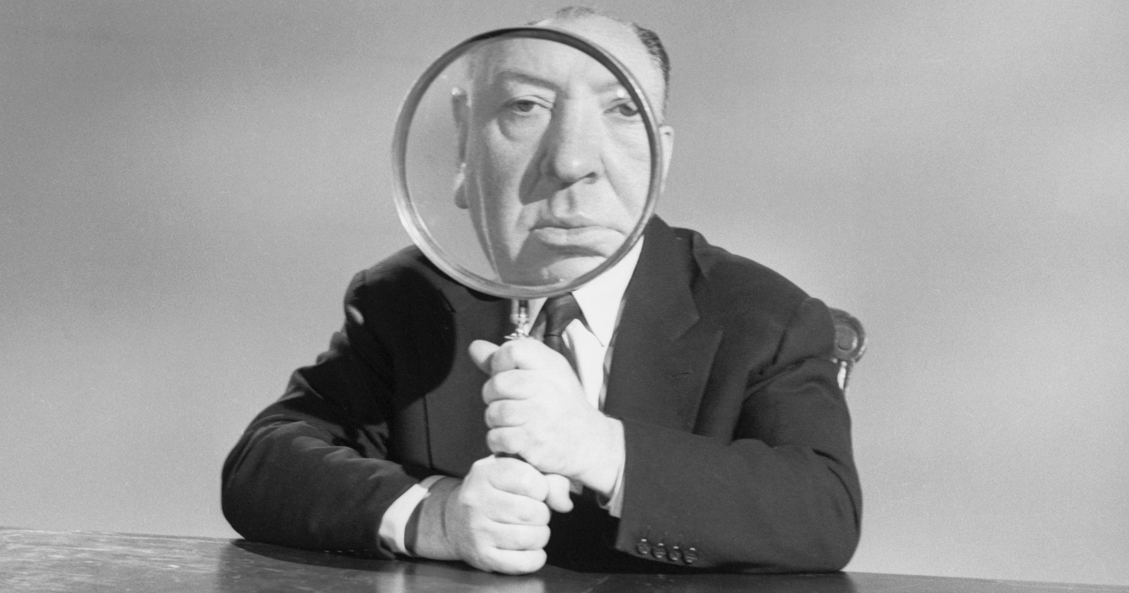 Wall Decor Black /& White Portrait Master of Suspense Must Have for Movie Enthusiasts Wall Art Home Alfred Hitchcock Crow Print Hitch