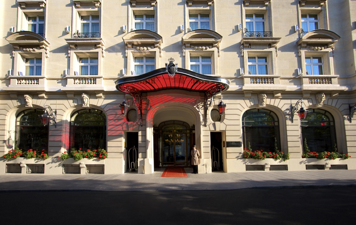 this five star paris hotel gives you insider access to the art world artsy. Black Bedroom Furniture Sets. Home Design Ideas