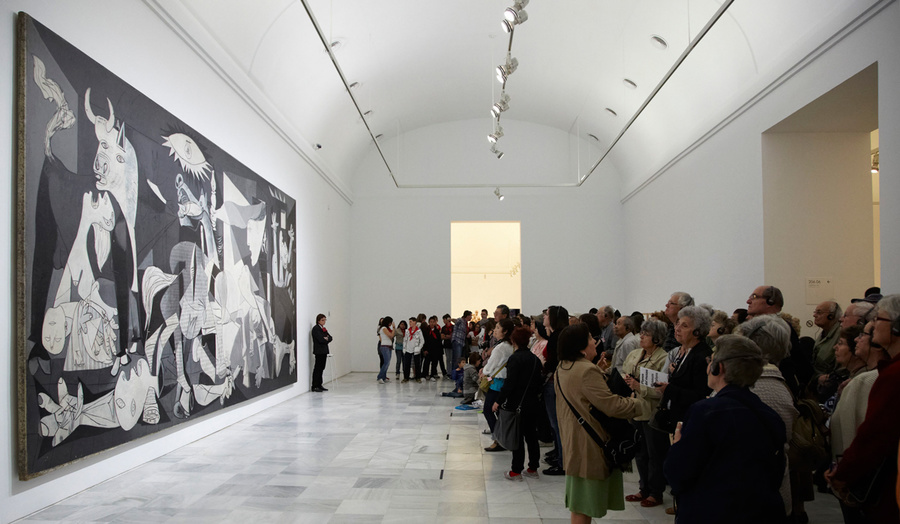 What Makes Guernica Picassos Most Influential Painting Artsy